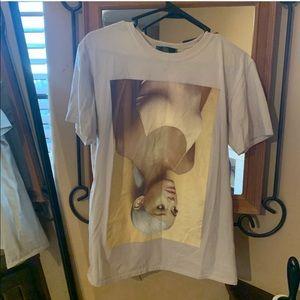Ariana grande t shirt